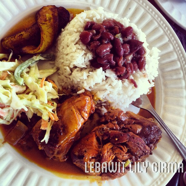 stew beans with white rice belize food