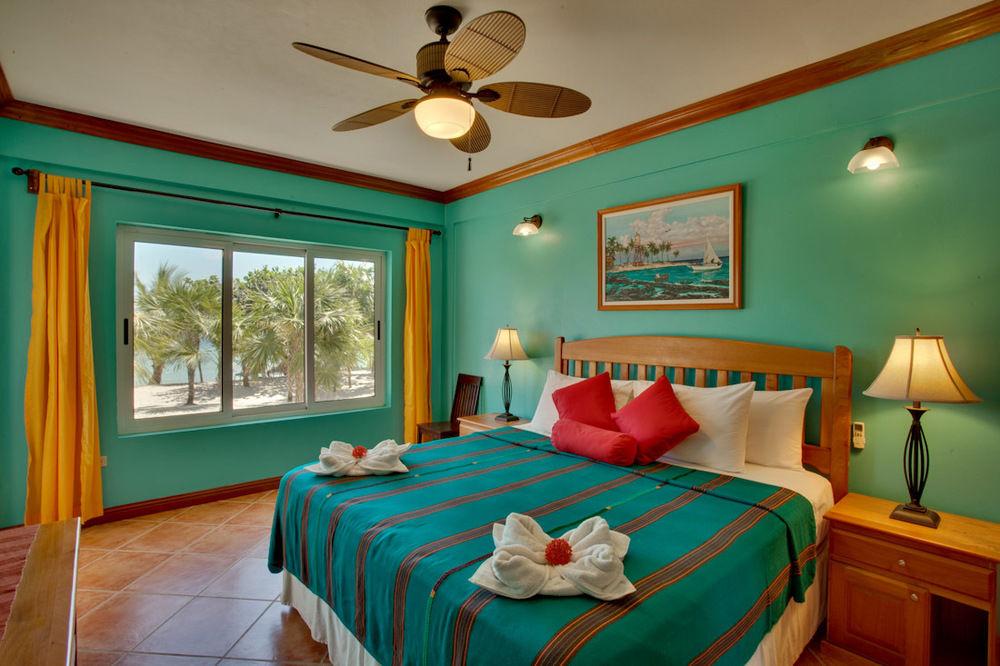 placencia belize resorts
